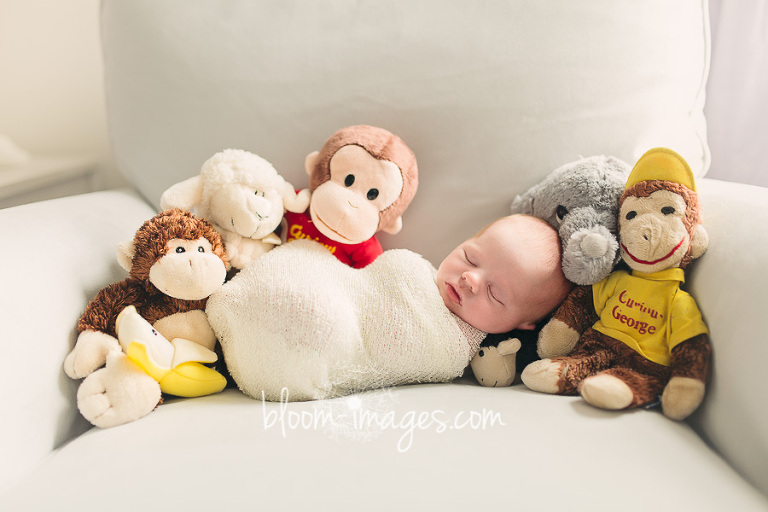 Lifestyle-Newborn-Photography-Session-in-Washington-DC-baby-portrait-Bloom-Images