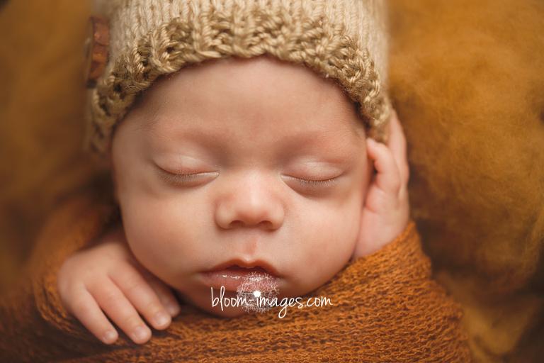 Newborn Baby and Family Photographer Ashburn VA