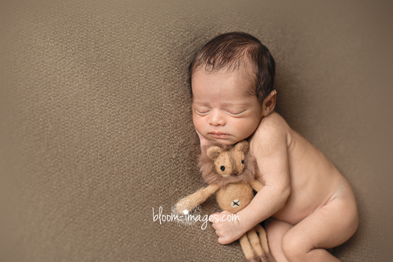 Newborn Photography in Northern Virginia infant pictures