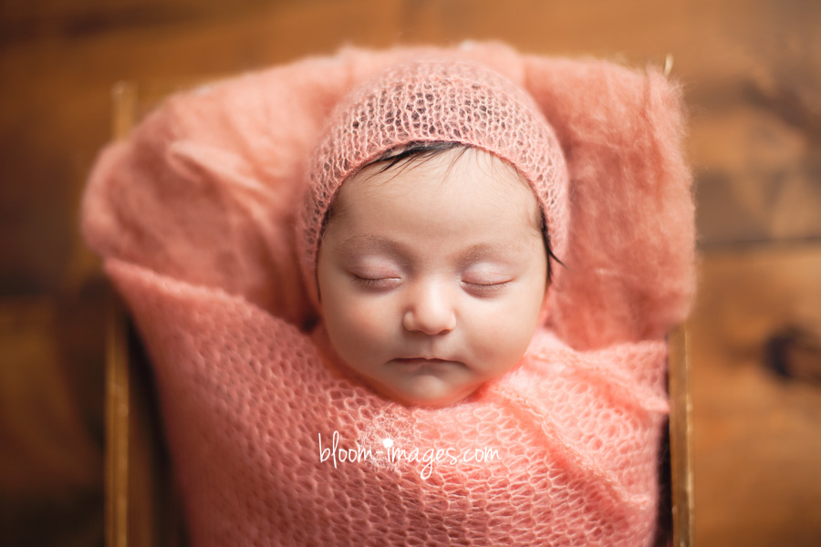 Newborn baby photography in Northern VA baby face