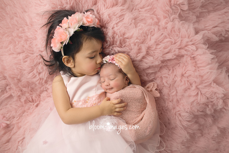 Newborn Baby Photography in Washington DC and Northern VA sisters