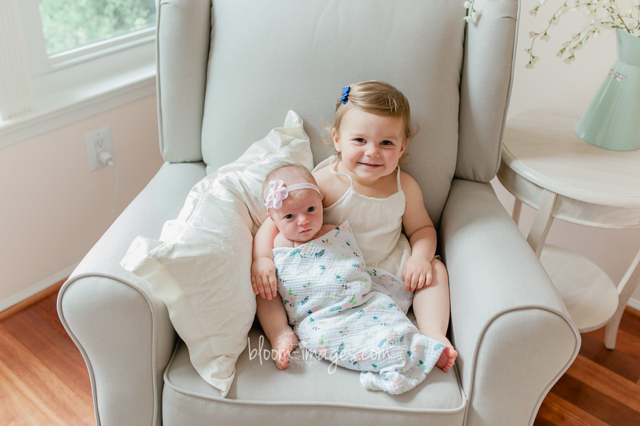 Infant with sibling photo in Northern VA